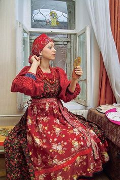 folk 🌷 traditional outfit of a russian woman from western siberia. modern work according to the fashion of the century (robe rouge red dress) Russian Beauty, Russian Fashion, Folk Clothing, Historical Clothing, Russian Culture, Russian Folk, Ethnic Dress, Period Outfit, Ukraine