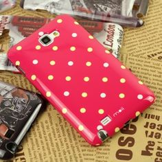 Give your precious Samsung Galaxy Note I9220 a chic and reliable protection with this designer Polka Dots case that lets you get closer to the garden design.This protective back case combines function and style as it features the Polka Dots whilst providing a reliable stylish protection for your Samsung Galaxy Note N7000 I9220.