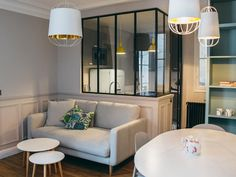 Parisian apartment with contemporary furniture collection Camille Hermand Architectures French Apartment, Apartment Chic, Apartment Layout, Apartment Interior, Apartment Design, Room Interior, Small Apartments, Small Spaces, Small Living