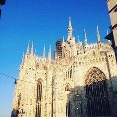 A Milano splende il sole  #milanodavedere#ig_milano#instalike#likeforlike#tagforlikes#sun#spring#happy#m#instagoodmyphoto#photography#instamilano#panorama#beautiful#day#like50likes#follow4follow#duomo#shoting#picture#italia#ootd#webinstagram#cool by ilecusati