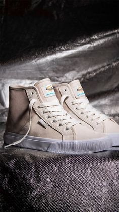 Get the latest Ish Cepeda colorway of the Manual Hi S from DC Shoes! Converse, Skate Shoes, Sneakers, Manual, Fashion, Zapatos, Tennis, Moda, Slippers