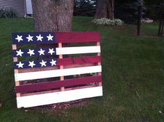 Painted Pallet Flag // A Pinterest Idea For The Fourth Of July