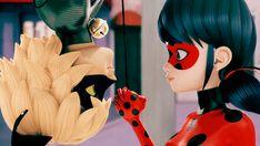 Marinette se da cuenta del amor de Adrien a Ladybug, decepcionada decide dejar de pensar en el, alguien logra entrar en...