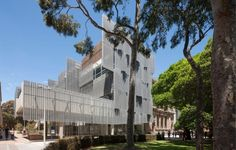 Photo: John Horner. http://www.bustler.net/index.php/article/the_new_melbourne_school_of_design_by_john_wardle_architects_nadaaa/