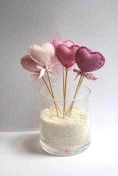 Six Wool Felt Heart Lollipop Party Decorations Pink / Valentine's Day decor. Valentines Day Decorations, Valentine Crafts, Be My Valentine, Lollipop Party, Felt Gifts, Little Presents, Heart Crafts, Heart Ornament, Felt Hearts