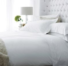 200 Thread Count Egyptian Cotton Bed Linen Sets | The White Company | Oxford set of 4 standard pillowcase: £35 | Housewife set of 4 standard pillowcase: £28 | Fitted sheet set of 2 King: £44.80 | Flat sheet set of 2 King: £44.80 | + £4.95 del (within 3 days)