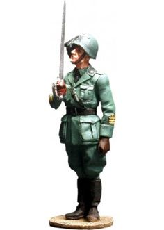 WW 027 ITALIAN BERSAGLIERE OFFICER 1940