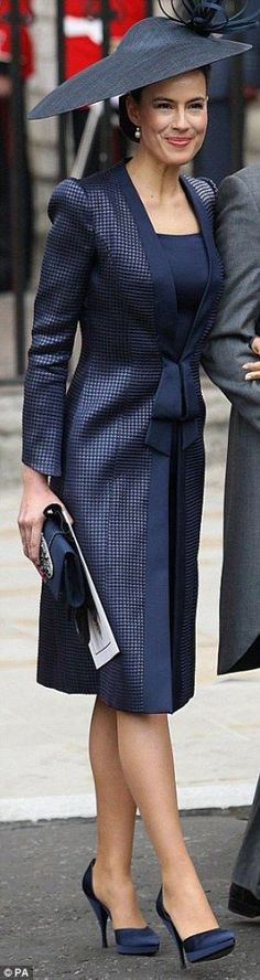Lady Sophie Windsor (left) was the most beautiful wedding guest in a cocktail dress and coat by Giorgio Armani Prive, with exaggerated shoulders and graphic hat. Wedding Guest Jackets, Wedding Guest Style, Trendy Wedding, Dress Trousers, Coat Dress, The Dress, Armani Prive, Trendy Dresses, 15 Dresses