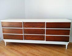 Mid century moderne vintage furniture refurnish! Commode mid century rehaussé par Mixxy Design