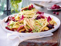 Unser beliebtes Rezept für Spaghetti al funghi mit cremigem Blitz-Sößchen und mehr als 55.000 weitere kostenlose Rezepte auf LECKER.de.