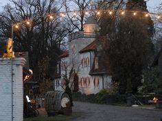 Weihnachtsfeier mit Teambuilding für Firmen auf dem Bauernhof vor den Toren von Köln, Düsseldorf: Scheunenfest, den eigenen Weihnachtsbaum selbst schlagen, Glühwein, Fackelspaziergang. Organisiert TAKE A LOOK Eventagentur Köln.