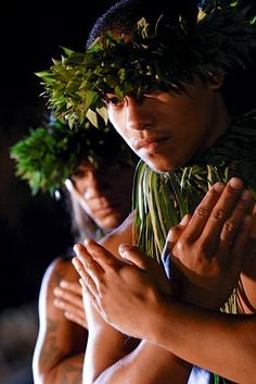 The environment influences how the cultural people wear things, such as grass from plants