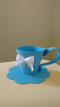 Xícara em eva, para lembranças de chá de cozinha chá de panelas ,presa a base.Tipos de estampa do eva de acordo com estoque.Pode ser feita com a cor o tema da sua festa.