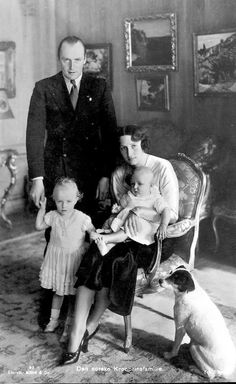 Martha and Olav with their daughters