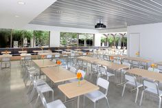 De Meza Architecture Inc - San Francisco, CA, United States. Corporate Cafeteria, Cupertino, CA.