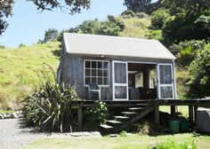 CASTAWAY COTTAGE - IDYLLIC BEACHFRONT RETREAT in Tuateawa, Coromandel | Bookabach - Yes!! the essence of a great holiday :)