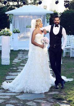Bride wedding groom flower love happyday. Bride by me