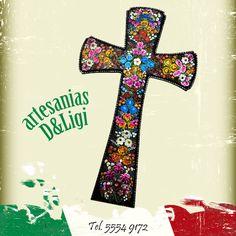 Hermosa cruz con flores, de madera.   #madera #México #flores #cruz #artesanía #original #colores