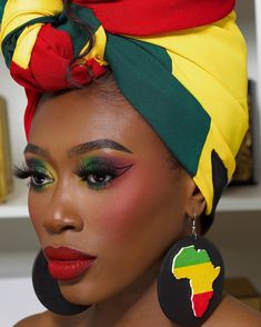 African Hairstyles, Up Hairstyles, Afro, Black King And Queen, African Colors, Style Africain, Brown Eyeshadow, Most Beautiful Faces, Girls Makeup
