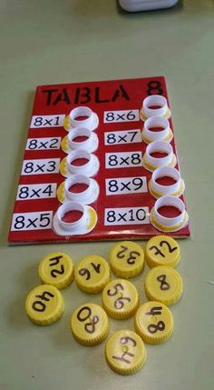 Interactive multiplication math Could change to be more difficult, addition, division, or subtraction. This is a fun way to help with multiplication. This is a and concrete lesson. Math Games, Preschool Activities, Division Activities, Student Games, Counting Activities, Word Games, Math For Kids, Crafts For Kids, Math Multiplication