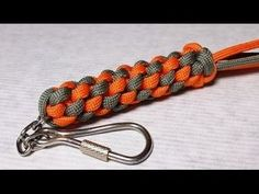 Square (Box) Stitch paracord keychain, Scoobie - How to Snake Knot Paracord, Paracord Braids, Paracord Keychain, Diy Keychain, Paracord Bracelets, Lanyard Tutorial, Paracord Tutorial, Bracelet Tutorial, Make A Boat