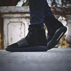sports shoes 76c21 2567a adidas YEEZY Boost 750