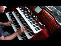 Conquest Of Paradise (Vangelis), played on Böhm Emporio organ - YouTube