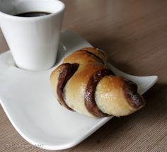 Mindennapi kenyerünk: Kétszínű kifli