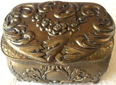 Vintage Gold Medal Embossed Footed Jewelry /Trinket Box (8174), Made in Japan