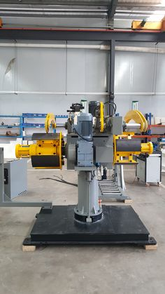 #metalpressings #precisionstampings #metalprocessing #coilfeeder #decoiler  Double Mandrels Decoiler