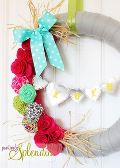 Positively Splendid {Crafts, Sewing, Recipes and Home Decor}: Valentine Wreath