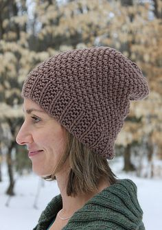 Ravelry: Lulubach's A Touch of Frost Hat (slouchy)