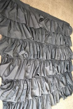 DIY ruffle shower curtain made from sheets! I'm so doing this soon! Tired of my old shower curtain!