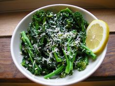 Spring has sprung! Here's an easy recipe for Sauteed Broccoli Rabe with Garlic and Parmesan #healthy