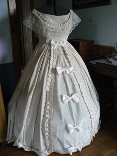 Civil war ball gown dress formal trim