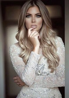 Dark Blonde Hair Color Ideas, We all have our favorite blonde! Today we are going to examine dark blonde hair color ideas together our top favorite long blonde hair ideas to inspir. Dark Blonde Hair Color, Cool Blonde Hair, Cool Hair Color, Beige Blonde Balayage, Hair Colour, Winter Blonde Hair, Blonde Honey, Brown Eyes Blonde Hair, Dark Hair