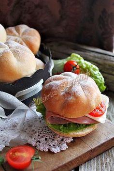 Illéskrisz Konyhája: CSÁSZÁR ZSEMLE Bread And Pastries, Okra, Hamburger, Chicken, Ethnic Recipes, Food, Breads, Bread Rolls, Gumbo