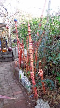 Prairiebreak: 400th Blog post! This one's got pix for a change...(Marcia Donahue's garden art) Garden Totems, Garden Sculptures, Host Gifts, Winter Light, Yard Art, Asian Art, Open House, Cute Cats, Succulents