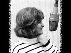 Here's The Answer Skeeter Davis with the answer song to 'Tell Laura I Love Her' by Ray Peterson. The song was written by Ben Raleigh and Jeff Barry an. Rock N Roll Music, Rock And Roll, Skeeter Davis, Nostalgic Songs, Guitar Chord, 60s Music, Country Music Videos, Music Clips, I Miss Him