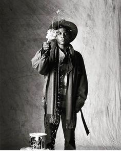 Jean-Michel Basquiat photographed by Yutaka Sakano in Tokyo, Jean Basquiat, Jean Michel Basquiat Art, Basquiat Artist, Andy Warhol, Vogue Paris, Radiant Child, Tyler Shields, Fondation Louis Vuitton, Cut Clothes
