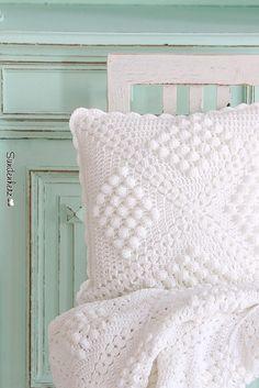 Crochet pillow | www.suendenherz.de/