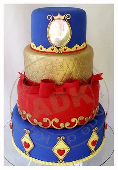 Snow White Cake by Arte da Ka Pretty Cakes, Beautiful Cakes, Amazing Cakes, Snow White Wedding, Snow White Cake, Snow White Birthday, White Cakes, Disney Cakes, Dream Cake