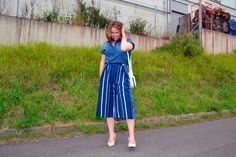 Culottes Azules de Rayas. Cuando no sepas con qué combinar una prenda añádele denim y triunfa ;) www.yohanasant.es Personal Shopper en Asturias