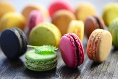 5 Go-To Places For French Macarons In Manila! Macarons, Dessert Recipes, Desserts, Sushi, Yummy Food, Sweets, Vegan, Baking, Ethnic Recipes