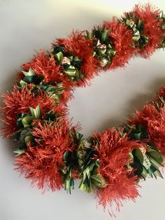 (Ribbon Lei)Designed by Tracy Harada)Ui'mauamau 公認インストラクター レッスン、キット販売してます! Ribbon Lei, Leis, Blogger Themes, Travel Quotes, Garland, Architecture Design, Christmas Wreaths, Romantic Travel, Tahiti