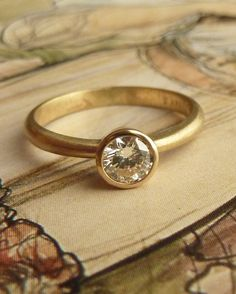 Gorgeous Diamond Solitaire Ring in yellow gold