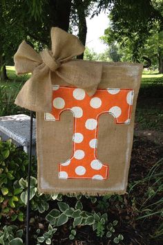 Tennessee Vols Burlap Garden Flag by WORLEYdesigns on Etsy I'm obsessed with some burlap!