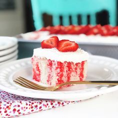 This Strawberry Jello Poke Cake Recipe is an easy and delicious dessert recipe! Vanilla cake with strawberry jello poked throughout the cake, and topped with whipped cream and fresh strawberries. This cake is always a favourite at parties! Poke Cake Jello, Poke Cake Recipes, Candy Recipes, Sweet Recipes, Dessert Recipes, Poke Cakes, Top Recipes, Dessert Ideas, Bread Recipes