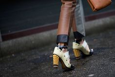 Street Style: Candela Novembre's textured heels in Milan