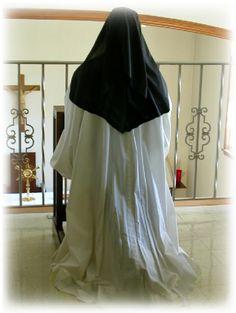 cistercians | Cistercian Nuns - Adoration of the Blessed Sacrament